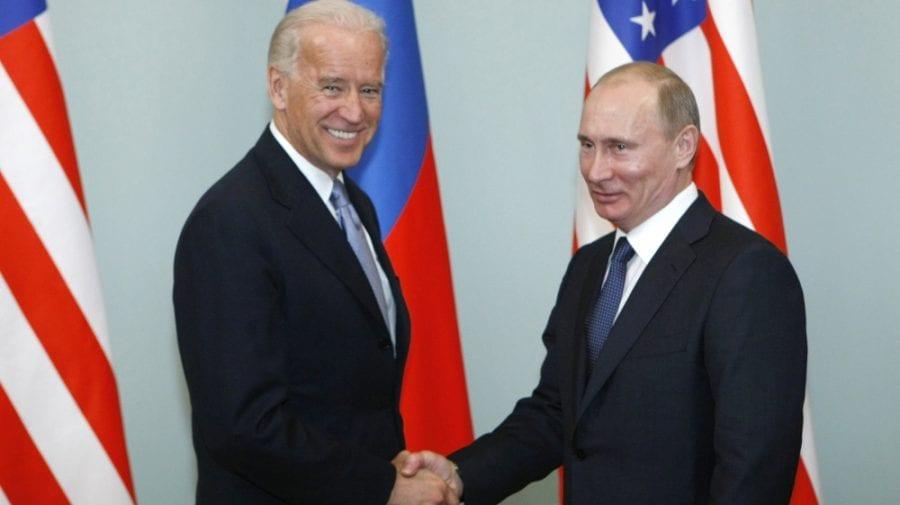 """SUA au oprit serviciile de viză pentru majoritatea ruşilor. Moscova deplânge """"acţiuni neprietenoase"""""""