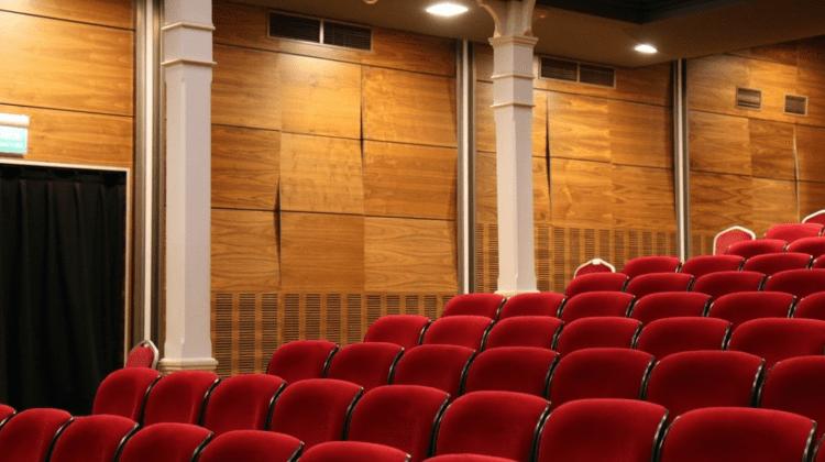 (VIDEO) Drama teatrului din Soroca. A rămas cu un singur actor într-o clădire veche de aproape 90 de ani
