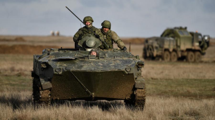 Rusia își trimite militarii în apropierea granițelor NATO și va forma 20 de unități în districtul militar occidental