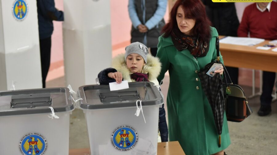 VIDEO Important să știi! Ce trebuie să ai la tine în ziua alegerilor când vei merge la secția de votare