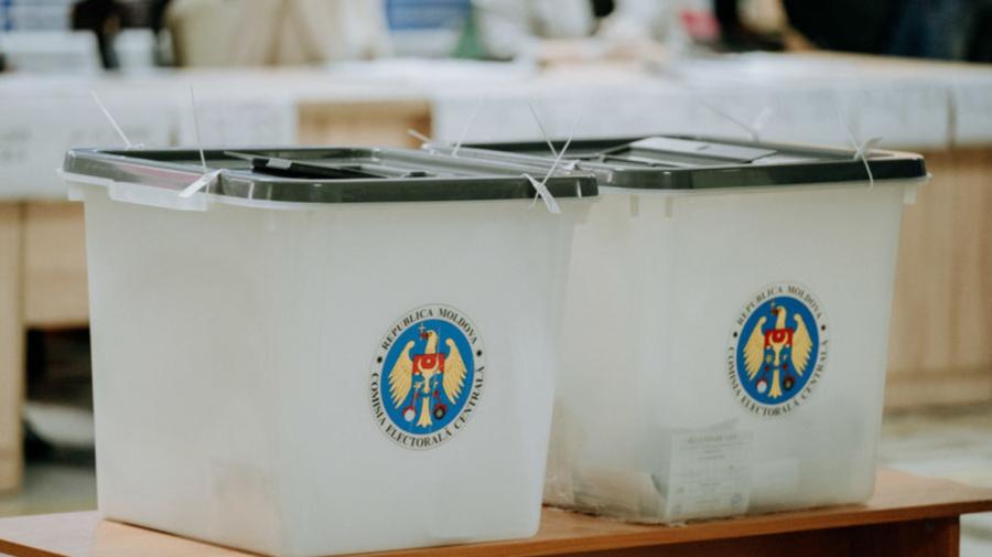CEC: În perioada 27 iunie-10 iulie, alegătorii pot solicita votarea la locul unde se află. Care este procedura