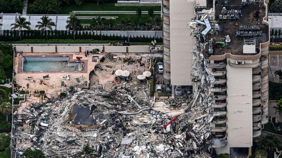 VIDEO Momentul în care o clădire cu 12 etaje cade la pământ