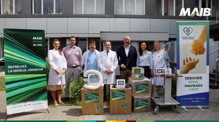 30 de ani de responsabilitate: MAIB donează dispozitive medicale de un milion de lei Institutului de Medicină Urgentă