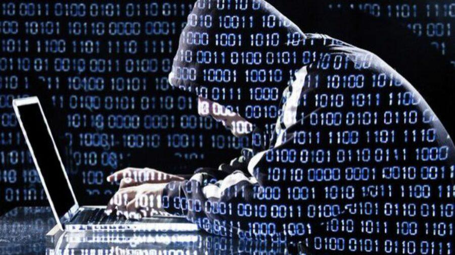 """Un hacker care a încercat să atace cibernetic o instituție de stat a fugit din țară chiar """"de sub nasul autorităților"""""""