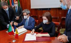 Document important pentru moldovenii ce muncesc în Italia. Vor putea primi pensii și indemnizații