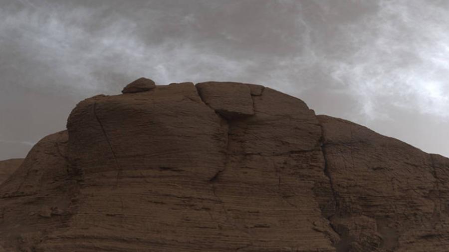 (FOTO) Cum arată norii strălucitori de pe Marte