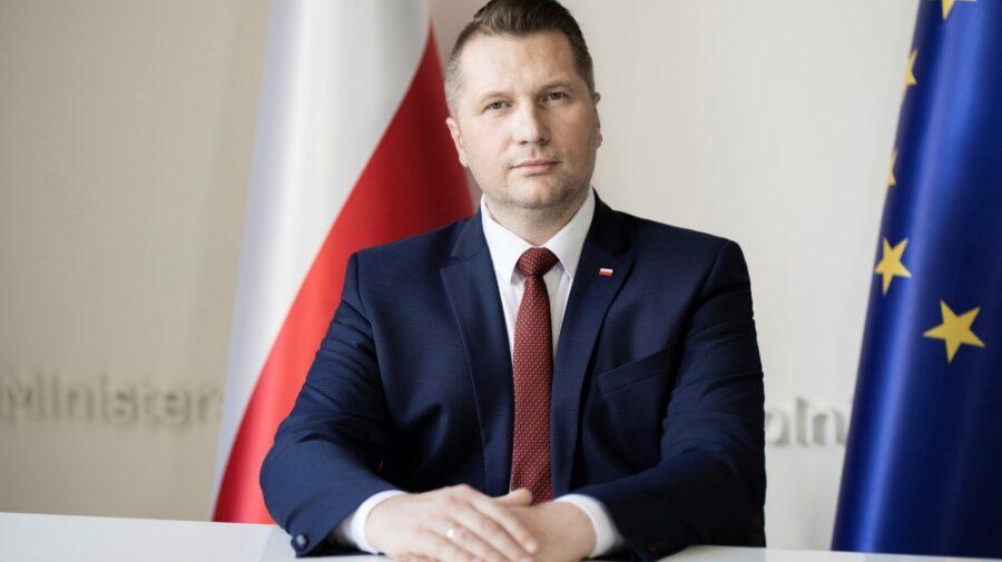 Un ministru de Educație constroversat consideră că statul trebuie să copieze legea anti-LGBT a Ungariei