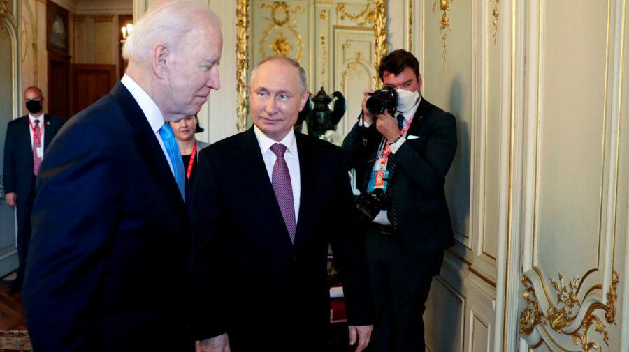 """Vladimir Putin, despre Joe Biden: Este un """"profesionist"""" şi """"acţionează foarte abil"""", cu el trebuie lucrat atent"""