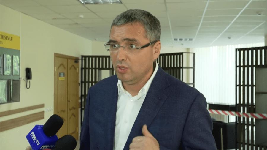 """(VIDEO) """"Veniți să-i curentăm, să-i penim""""! Renato Usatîi îndeamnă oamenii la un nou protest la Curtea de Apel Chișinău"""