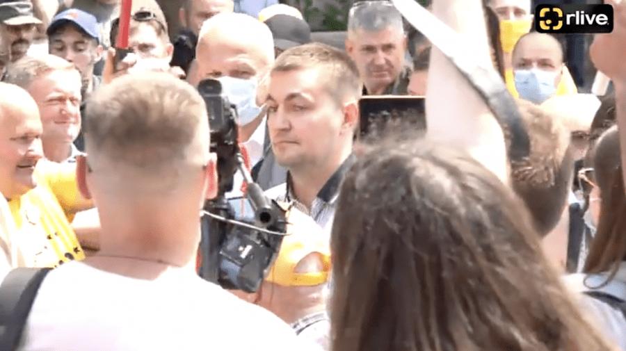 (STOP CADRU) Ce a făcut Veaceaslav Platon la protestul de la Comisia Electorală Centrală?