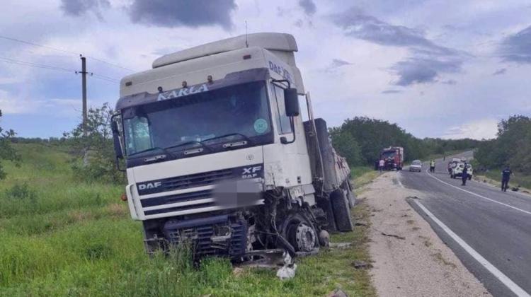 (FOTO) Accident grav la Rezina. O persoană a decedat pe loc