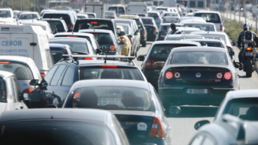 """Serviciul """"InfoTrafic"""" al INSP, informează: Mai multe ambuteiaje pe străzile din Capitală"""