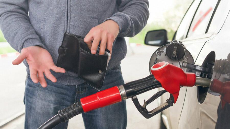 Bani.md: Noi scumpiri la pompă! Prețurile la unele benzinării au crescut chiar și cu 40 de bani. Ce spun experții