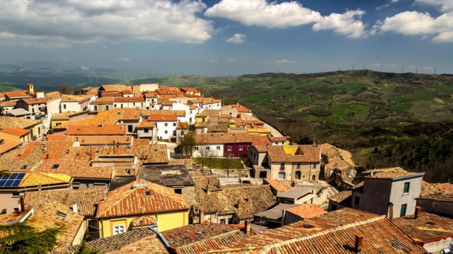 Vrei să-ți cumperi casă cu 1 euro în Italia? Iată adevărul din spatele ofertei
