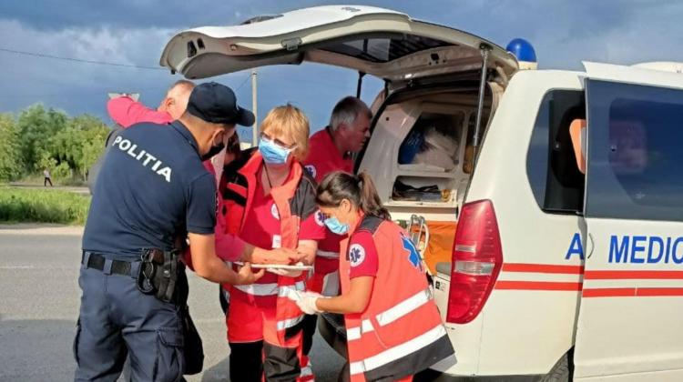 (FOTO) Gest lăudabil! Cum au procedat doi angajați INSP cu o femeie rănită la Cimișlia