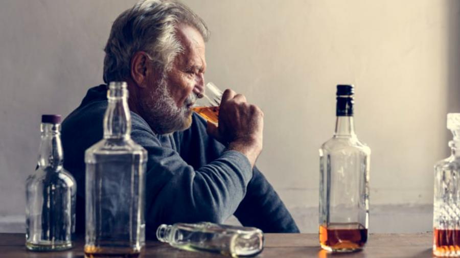 (STUDIU) Consumul de alcool, indiferent de cantitate, reprezintă un pericol pentru sănătate