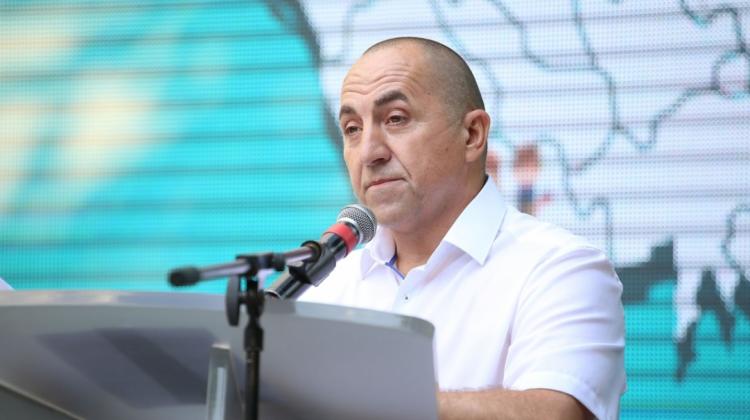 """(DOC) Dachi va merge fără Rizea în Parlament? Lista """"NOI"""", aprobată de CEC, pentru scrutinul din 11 iulie"""