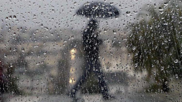 Ploi cu descărcări electrice. Ce temperaturi vom avea în termometre