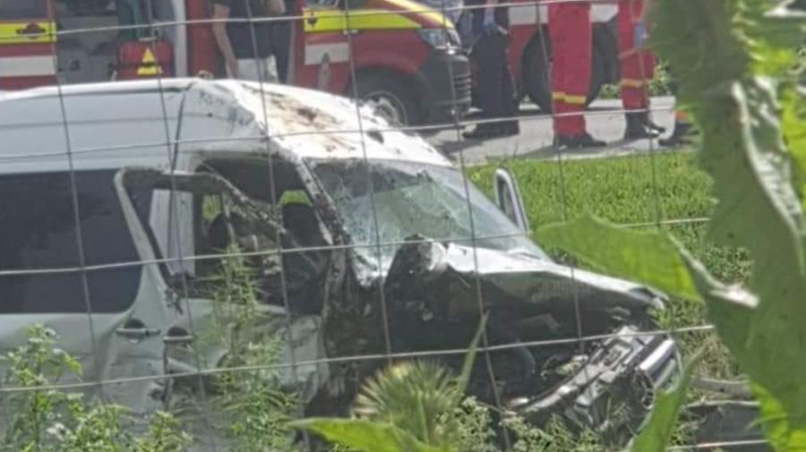 Accident grav în România cu implicarea unui microbuz din Moldova! Opt persoane au avut de suferit