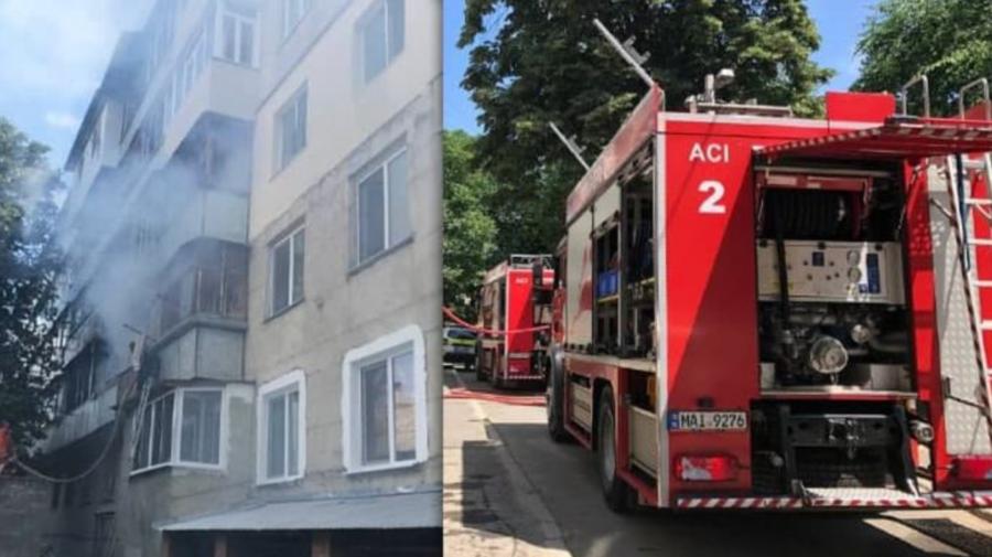 Trei echipaje de pompieri au luptat cu incendiul care a izbucnit într-un apartament din Capitală