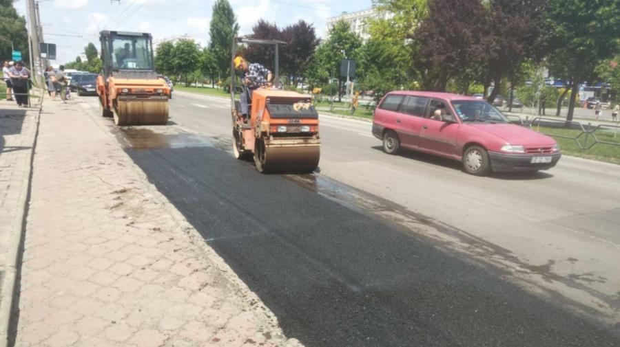 Lucrările de plombare a străzilor Capitalei continuă și astăzi. Care sunt porțiunile de carosabil vizate