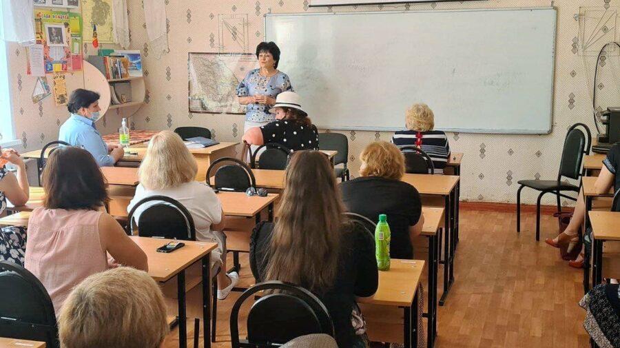 După scandalul de la liceul din Tiraspol, conducerea MECC a întreprins o vizită de lucru! Subiectul abordat?