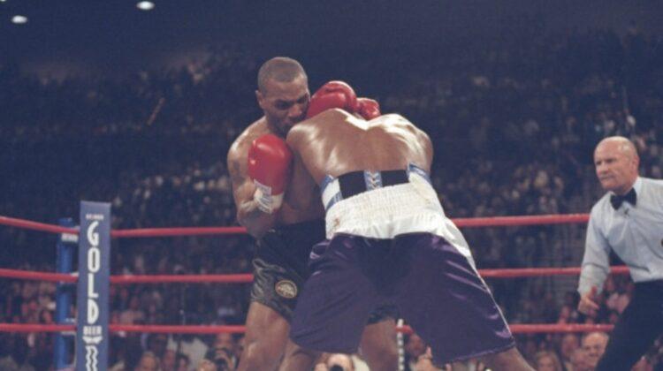 VIDEO Doamne Dumnezeule! Un luptător l-a imitat pe Tyson și i-a mușcat urechea adversarului