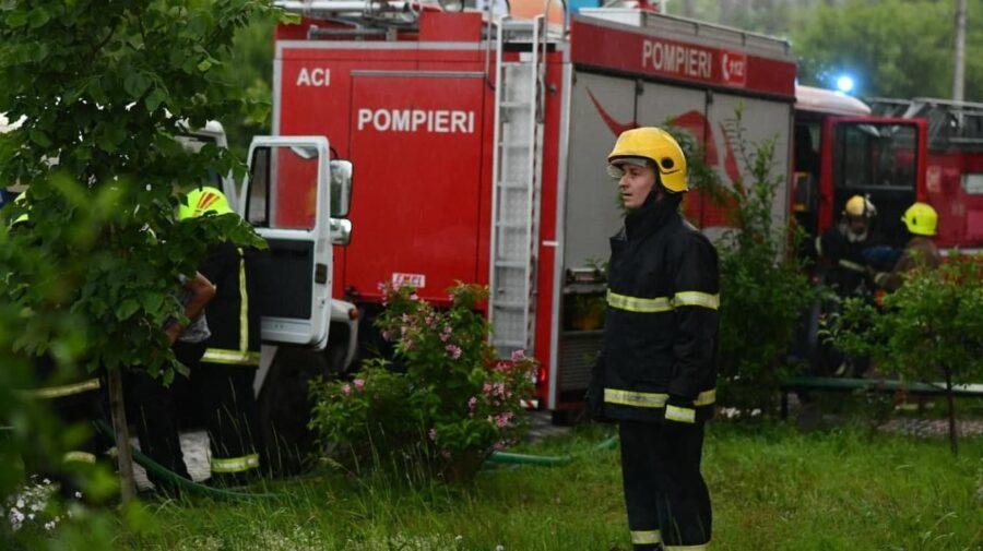 FOTO Intervenția pompierilor la Soroca. Au luptat cu flăcările care au cuprins un apartament