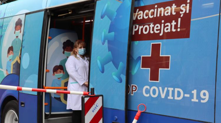 ULTIMA zi de imunizare antiCOVID-19 la punctele mobile de vaccinare! Un troleibuz la Buiucani și un autobuz la Bubuieci