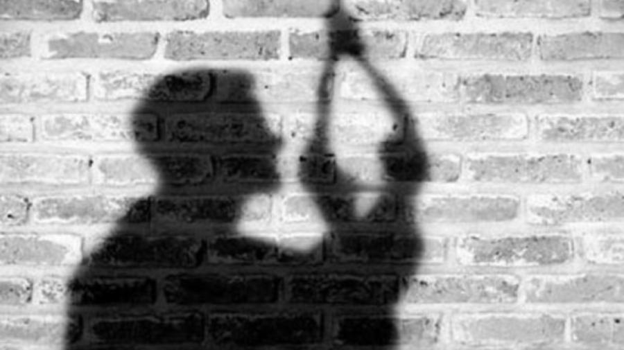 Cutremurător! Un bărbat din Dubăsari, găsit strangulat de scara locuinței