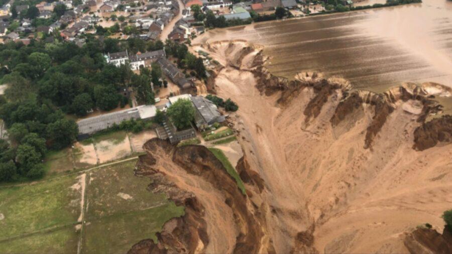 FOTO Alunecare de teren uriașă în Germania! Mai multe persoane sunt date dispărute