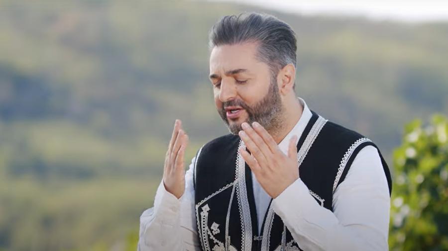 """VIDEO Adrian Ursu, despre noua piesă: """"Copii și părinți se vor regăsi în istoria acestui moldovean plecat în America!"""""""