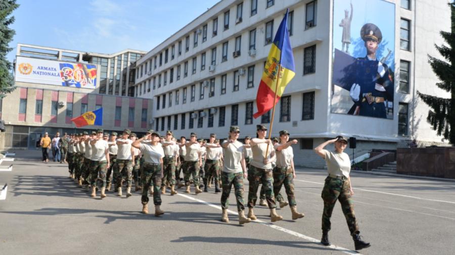 FOTO Militarii Armatei Naționale au început pregătirile pentru parada militară din 27 august