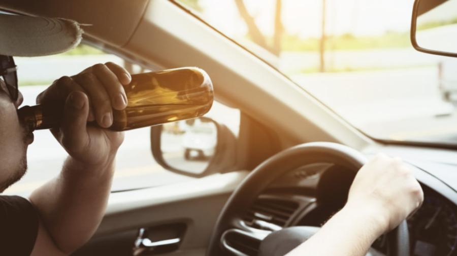 VIDEO Dornic de SENZAȚII tari? Conducea mașina cu 132 km/h pe o stradă din Orhei