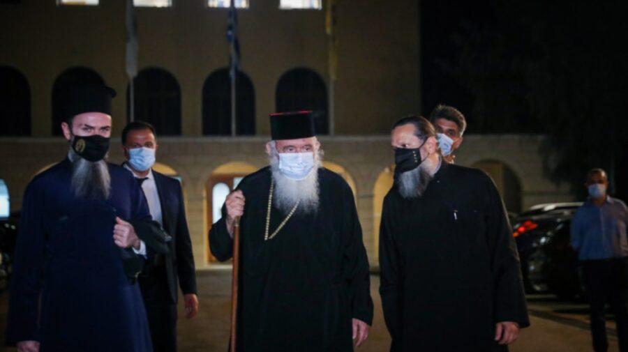 FOTO, VIDEO Greci în stradă împotriva vaccinării! Biserica Ortodoxă se implică. De partea cui e?