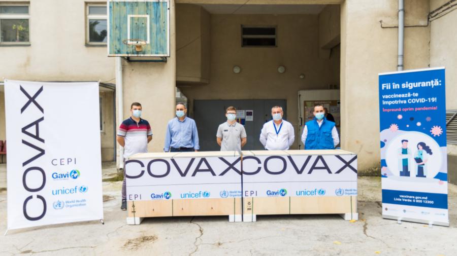 FOTO Un lot de 46 de frigidere a fost livrat gratuit Republicii Moldova, prin intermediul platformei COVAX
