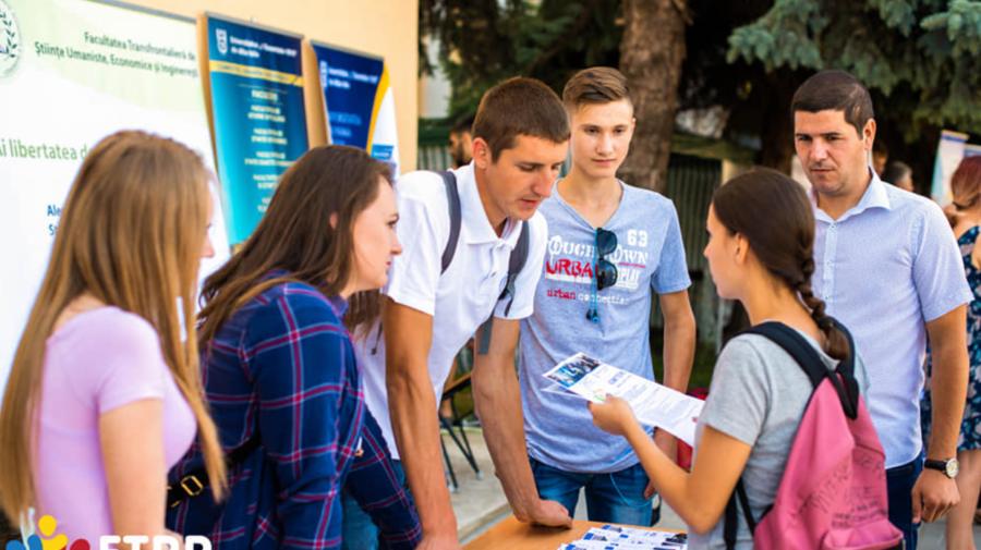 HAI la Târgul Universităților din România. AZI și MÂINE are loc în Chișinău. DETALII