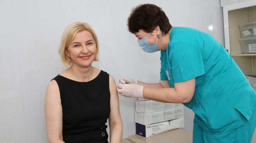 Cu viziuni pro-ruse, nu și în privința vaccinului. Irina Vlah s-a imunizat, însă nu cu Sputnik V