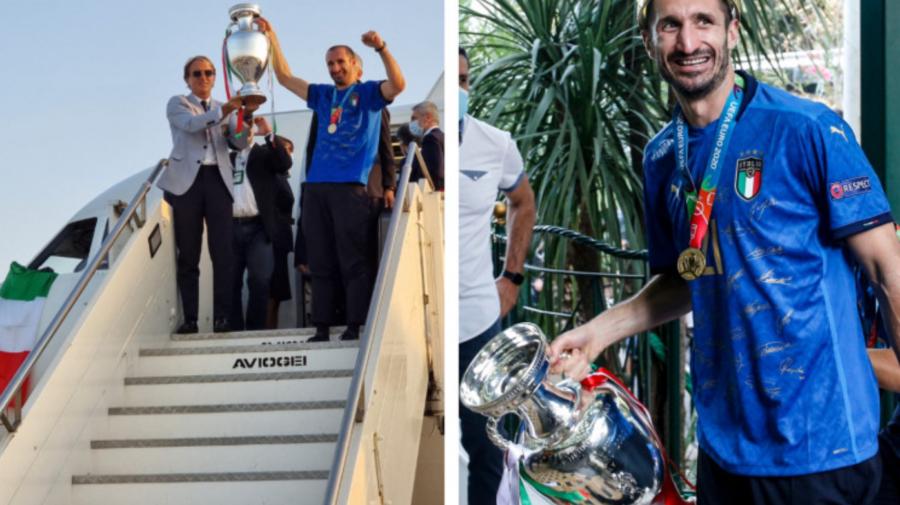GALERIE FOTO S-au întors acasă cu trofeul EURO 2020. Fotbaliștii italieni, așteptați și aplaudați de zeci de fani