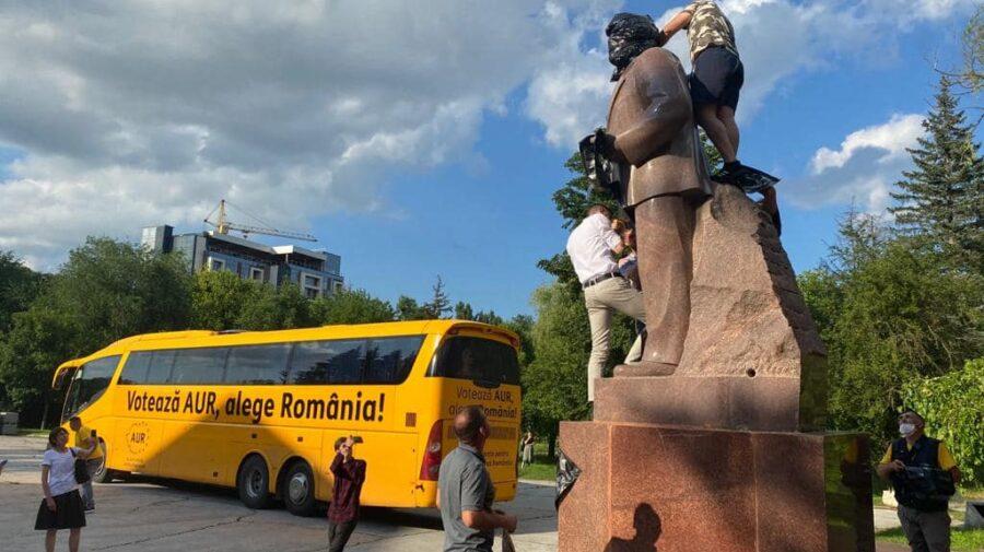 VIDEO Voronin nu poate trece cu vederea peste vandalizarea monumentului lui Lenin. A sesizat procuratura și MAI