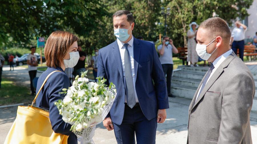 FOTO După alegeri, Maia Sandu a mers în raionul de baștină. Cum a fost întâmpinată și ce le-a spus președinta oamenilor