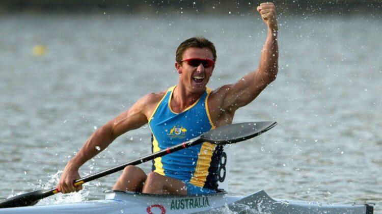 FOTO Un vâslaș olimpic a încercat să transporte jumătate de tonă de cocaină pe o barcă gonflabilă. Finalul?!