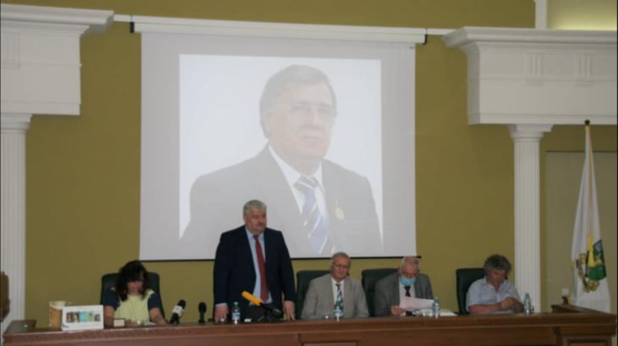 VIDEO În ziua nașterii lui Nicolae Dabija, USM a inaugurat un muzeu în memoria marelui scriitor.Ceremonia de comemorare