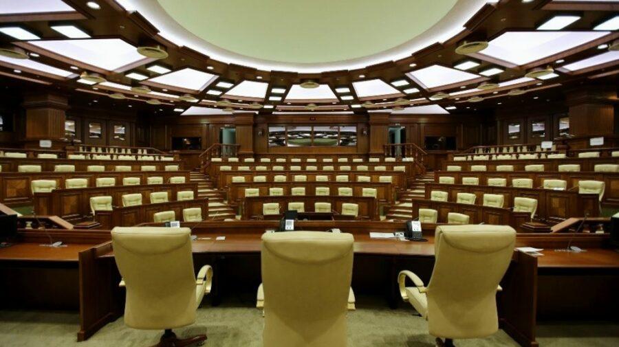 Capitala se odihnește, Parlamentul muncește! Deputații se întrunesc în ședință plenară de Hramul orașului Chișinău