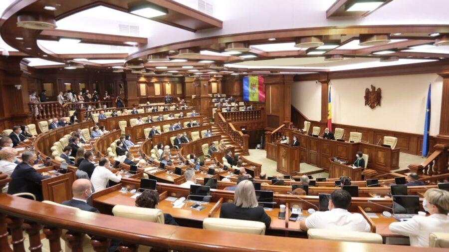 Ședința de constituire a Parlamentului a luat sfârșit fără a fi aleasă conducerea noului Legislativ