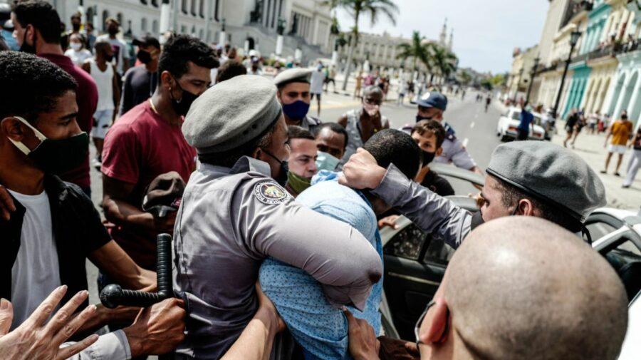 """Proteste în Cuba: Havana acuză SUA de """"tulburări sociale"""", iar Rusia se vrea mediator"""