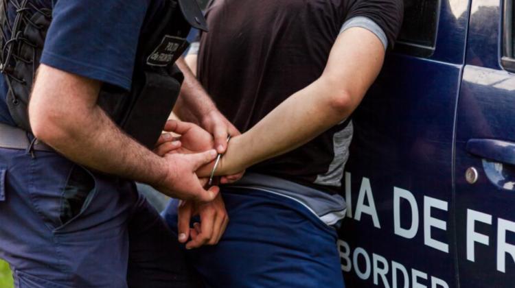 Doi bărbați și o femeie, reținuți la frontiera de SUD. Persoanele erau în căutare națională. Ce au săvârșit