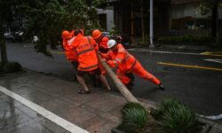 După inundațiile catastrofale, China este lovită și de un taifun masiv