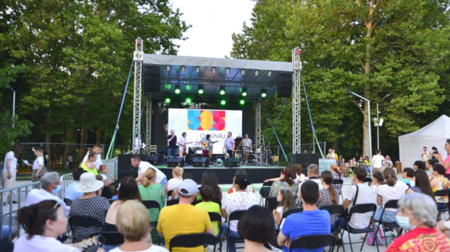 """Întâlniri cu scriitorii, muzică și filme. Ce evenimente sunt incluse în programul de astăzi la """"Te salut, Chișinău"""""""