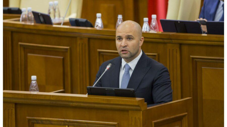"""PG spune că deputatul Vladimir Cebotari e """"curat ca lacrima"""". A fost scos de sub urmărire penală în dosarul AIC"""
